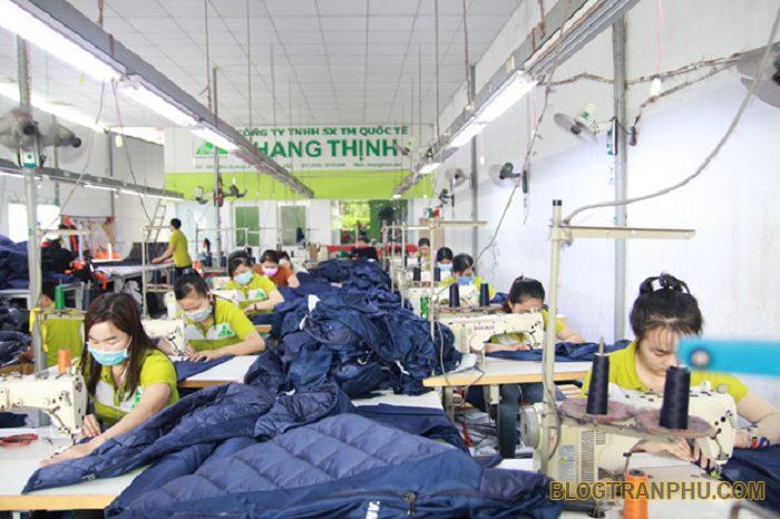 Xưởng may áo gió Khang Thịnh nhận đặt may áo khoác giá rẻ chất lượng