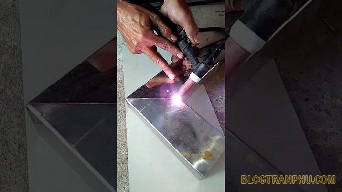 Cách hàn sắt mỏng với máy hàn điện tử