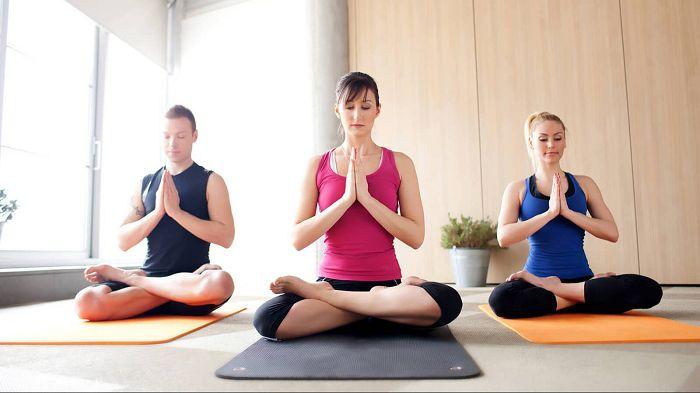 Yoga là gì? Tại sao bạn nên tập Yoga ngay và luôn