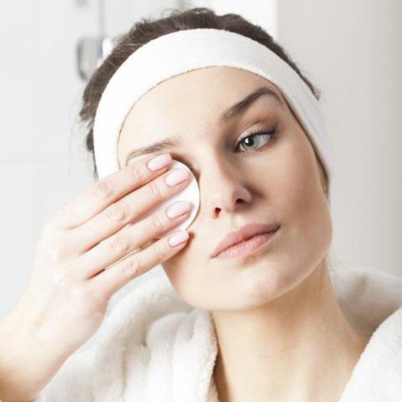 Tẩy trang cho da mặt không trang điểm