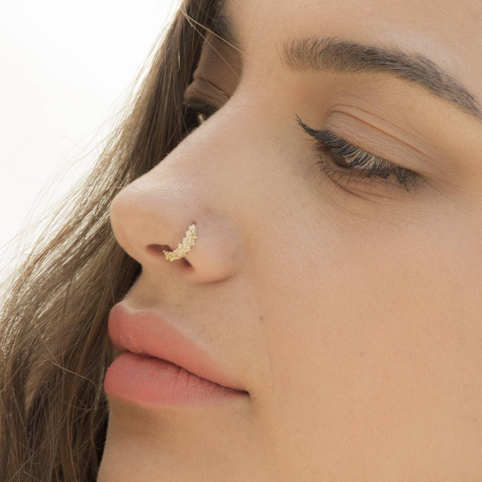 """Tổng hợp các loại khuyên mũi giúp bạn trở nên """"chất"""" hơn"""