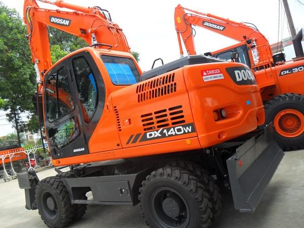 Máy xúc đào Doosan DX140W