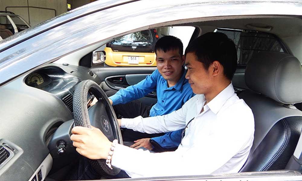 Đăng ký học bằng lái xe ô tô B1 uy tín tại Hoclaixe12h.com